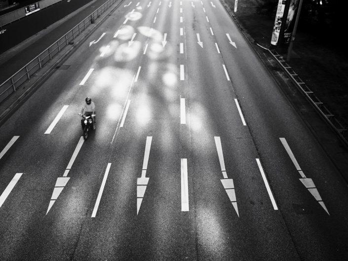 Bild mit dem iPhone6 gemacht. Schwarz/Weiß, Straßenfotografie