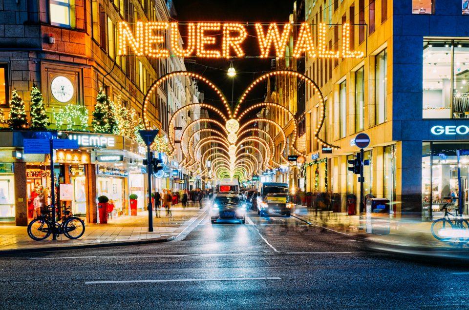 Vorweihnachtliche Grüße von Jungfernstieg und Rathausmarkt in HDR