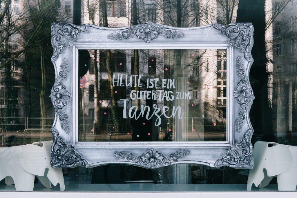 Window, Sign